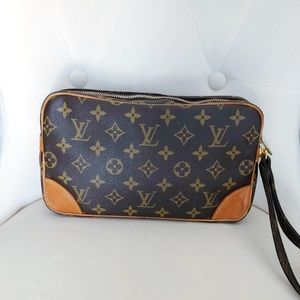 Louis Vuitton Bags - Louis Vuitton Wristlet Monogram Handbag Dragonne